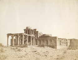 [Isa Khan's zenana tombs], Tatta